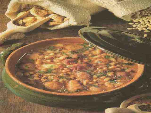 zuppa fagioli e castagne pizze rustico napoletano